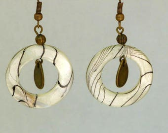 Earrings dangling range mother of Pearl and shells, charms bronze