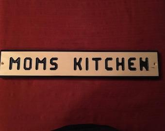 Moms kitchen sign plaque