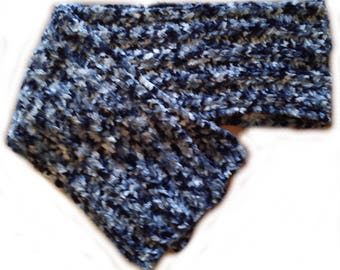 Black and white chenille scarf