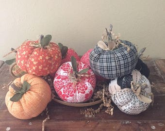 Set of Three Little Prim Pumpkins