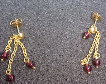 b062 Vintage 22k Gold Earrings with Garnet Stone