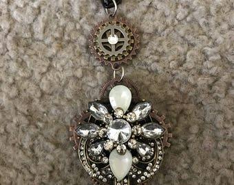 Elegant steampunk pendant