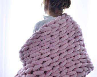 FREE SHIPPING. Chunky knit Blanket. Knitted blanket. Merino Wool Blanket. Bulky Blanket. Extreme Knitting.Super chunky blanket.