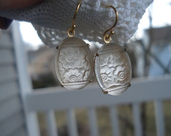 1920's Art Deco Vintage Frosted Camphor Lalique Inspired Etched Glass Earrings Flowers Floral