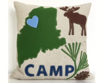 "Maine Map ""Camp"" Pillow in Green Felt Applique on Oatmeal Linen"