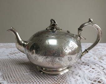 Good quality vintage silver-plated teapot with floral etching and finial