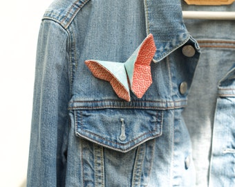 Japanese fabric butterfly brooch, origami folding, butterfly jewelry brooch in kimono silk and cotton