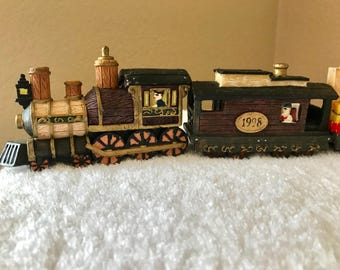 Vintage Home Towne Express 6pc 1998 Christmas Train Set Up Display