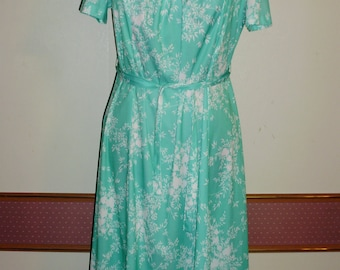 Vintage Dress by FOREVER YOUNG