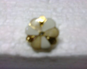 """Ecru, white and gold round flower button with shank """"BOR11"""" ø 1.8 cm"""