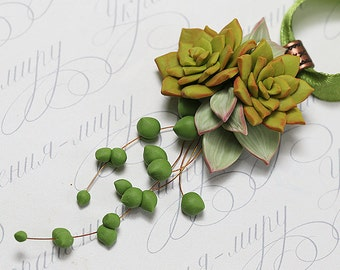 Succulent necklace pendant. Echeveria Succulent botanical necklace. Polymer clay jewelry. Miniature Plant necklace. Succulent plant Jewelry