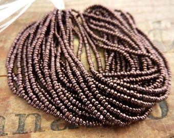 Charlotte One Cut Size 10 Seed Bead Hank Burgundy Bronze SB1105