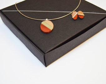 Trois Couleurs - Necklace and Earring Set - Wood and Silver