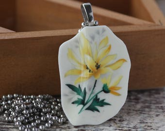 Broken China Pendant of Yellow Daisy