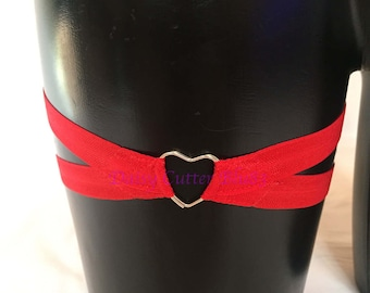 Cage crossover garter leg harness with heart