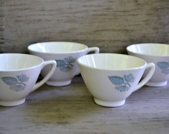 RETRO COFFEE CUPS 1950s Set of Four Coffee or Tea Cups Cream with Pale Blue Pinecones