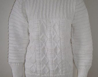 Hand knitted pullover size 40-42