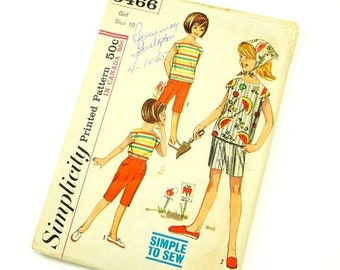 SALE Vintage 1960s Girls Size 10 Blouse Scarf Pants Shorts Simplicity Sewing Pattern 5466 Complete / b28 w24 / Summer Beach Resort Wear