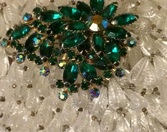 Vintage 50s Showstopper Emerald Green Aurora Borealis Ladies Christmas Rhinestone Brooch PIn