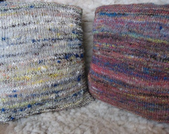 Pillow, Handgsponnener tweed and hand Knitted, 30 x 30 cm