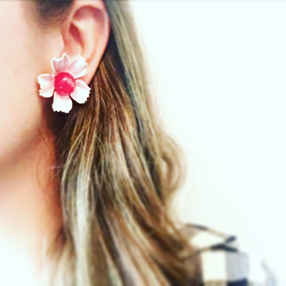 Vintage Clip-On Mid Century Large Flower Red and White Stud Earrings