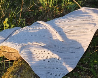 Hand knitted merino wool triangle scarf; merino wool cowl; hand knit scarf; gray scarf; triangle wrap; spring shawl, summer wrap