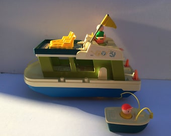 Fisher Price Houseboat Little People w/accessories & people