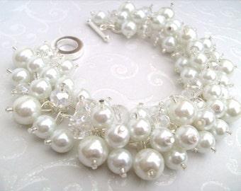 Set of 5 Pearl Beaded Bracelets, Bridal Bracelet, Bridal Jewelry, Wedding, Pearl Bridesmaid Bracelet, Cluster Bracelet, White Pearl Jewelry