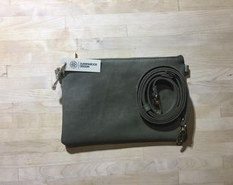 Olive Leather Hand-purse