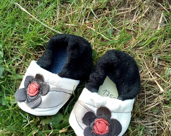 Baby Booties in leather, baby shoes