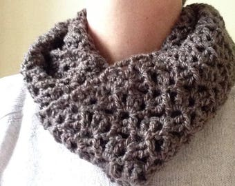 Ladies Crochet Crocheted Infinity Lace Lacy Scarf Brown