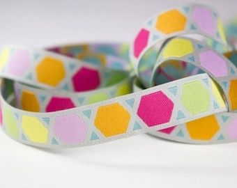 Ribbon color mix geometric