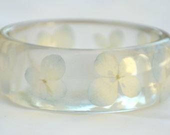Light Blue Hydrangeas Resin Bangle. Chunky Resin Bangle Bracelet. Pressed Flower Bracelet. Blue Real Flowers Bracelet  #yhbr004