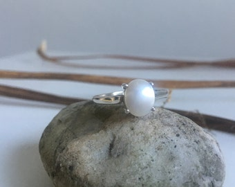White Freshwater Pearl Ring,Pearl ring,pearl silver ring,pearl engagement ring,solitaire ring,pearl jewelry,gift for her,elegant pearl ring