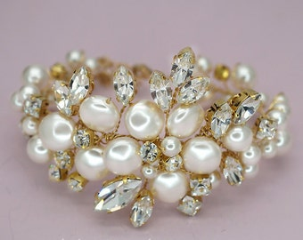Crystal Bridal Bracelet Gold Wedding Bracelet Pearls Cuff Bracelet Swarovski Crystals Bridal Bracelet Statement Wedding Jewelry