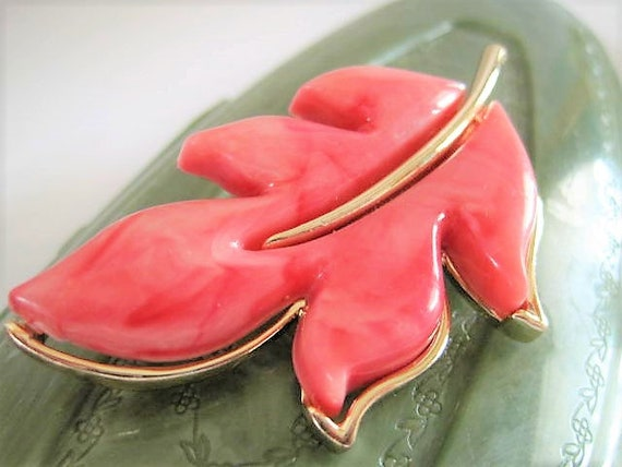 Sarah Coventry Brooch, Autumn Splendor, Pink Thermoset, Leaf Brooch