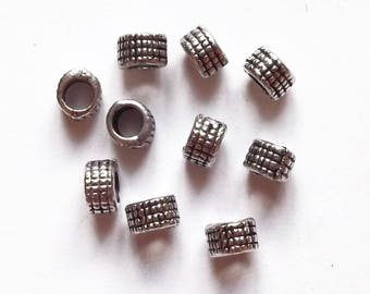 20 round beads 4 mm silver metal spacers
