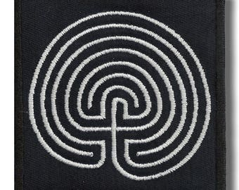 Labyrinth, Ancient Greece - embroidered patch, 8x8 cm