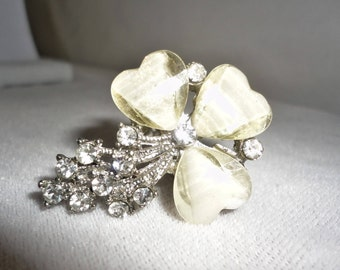 A Vintage Acrylic Flower Crystals Ring****