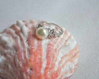 Thin White Pearl Ring, Sterling Silver floral ring, bridesmaid jewelry, gift ideas for her, unique romantic pearl ring/ Mothers day gift