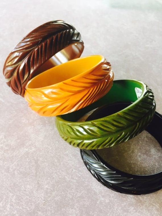 Vintage Bakelite Rare Matched Set of 4 Bangle Bracelets