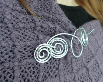 "Aluminum Celtic Loop Shawl Pin- Ram's Head Shawl Pin- Winter Warmth Gift-  Silver Scarf Pin, Wire Hammered Silver -""Ram's Head"""