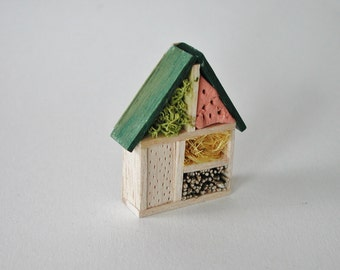 Dollhouse Miniatures, miniature insect hotel for the doll house in 1zu12, the nesting for the doll's room