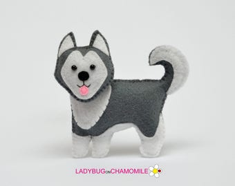 Felt HUSKY DOG, stuffed felt Husky dog magnet or ornament, Dog toy, Nursery decor, Husky, Cute toy, Toy, Husky ornament,Husky magnet, Dog