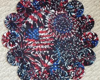 """Patriotic Fireworks Yo Yo Doily - 12"""""""