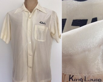 """1970's White Shimmer Polyester """"King Louie"""" Bowling Shirt Men's Vintage Button Up Disco Size Medium Large by Maeberry Vintage"""