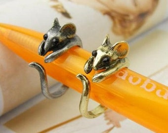 Mischievous Mouse Ring