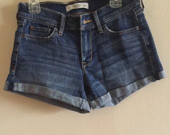 Women's Medium Wash Denim Shorts