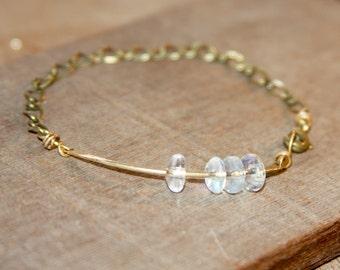 Hip Gold Bar Bracelet. Opalescent Beaded Bracelet. Gifts for Her. Gifts