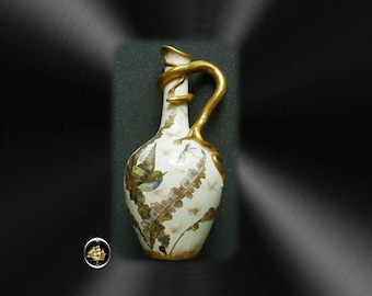Art pottery vintage ewer - gold lizard handle - accents
